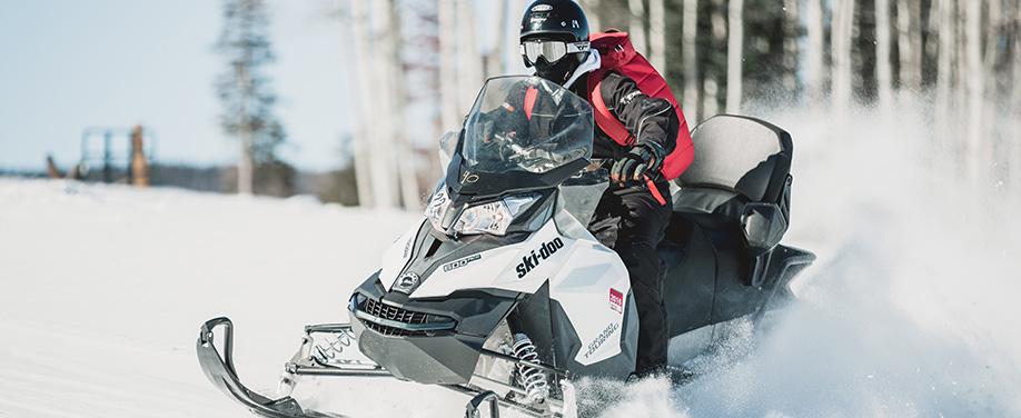 Winter Activity Laurentians_Snowmobiling